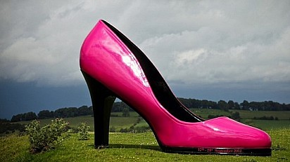 Cheltenham Fashion Week... Unveils The Giant Shoe Tour